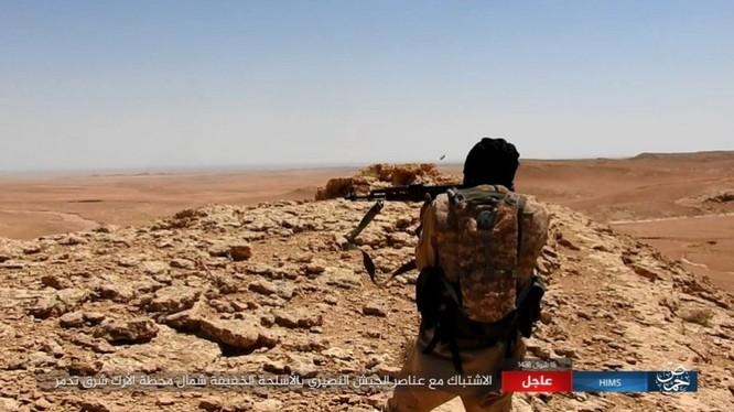 Quân đội Syria bất ngờ hứng thất bại trước IS tại Homs ảnh 9