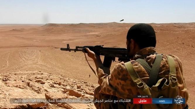 Quân đội Syria bất ngờ hứng thất bại trước IS tại Homs ảnh 10