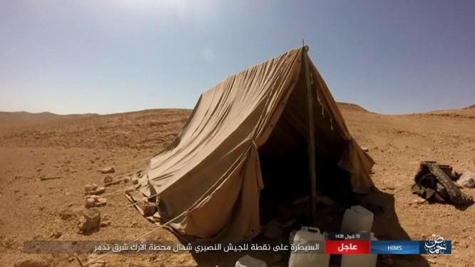 Quân đội Syria bất ngờ hứng thất bại trước IS tại Homs ảnh 13