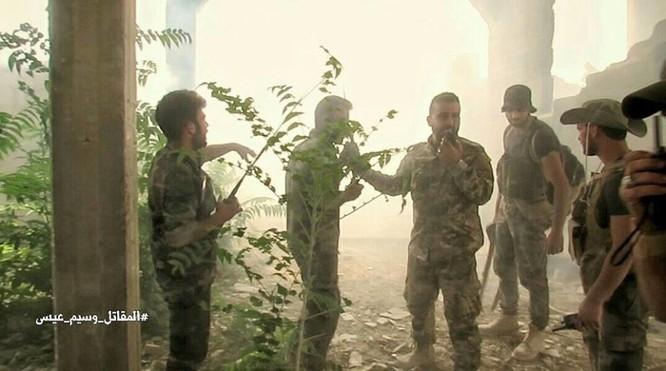 Quân đội Syria đánh phá chiến tuyến phiến quân ngoại ô Damascus ảnh 1