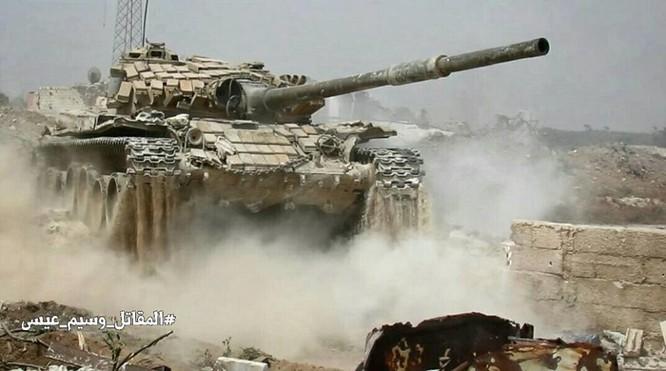 Quân đội Syria đánh phá chiến tuyến phiến quân ngoại ô Damascus ảnh 3