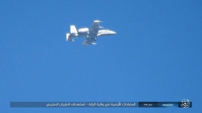 IS đánh bom tự sát và bắn tỉa, người Kurd thiệt hại nặng (video - ảnh) ảnh 1
