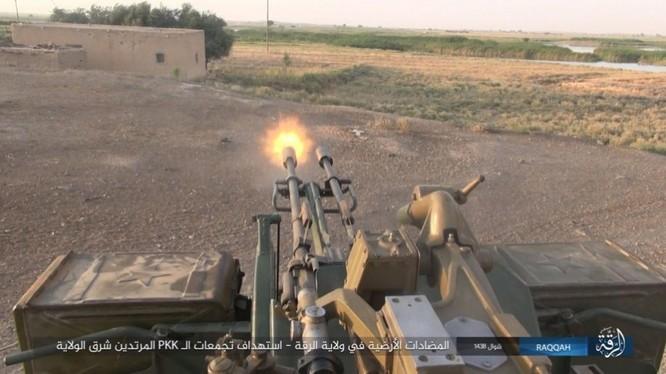 IS đánh bom tự sát và bắn tỉa, người Kurd thiệt hại nặng (video - ảnh) ảnh 5