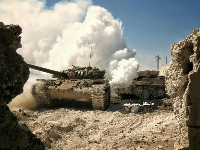 Quân đội Syria tấn công dữ dội cứ địa thánh chiến ngoại ô Damascus (video) ảnh 2