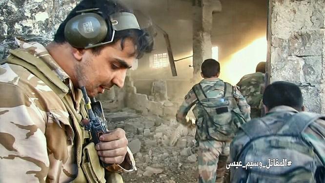 Quân đội Syria tấn công dữ dội cứ địa thánh chiến ngoại ô Damascus (video) ảnh 4