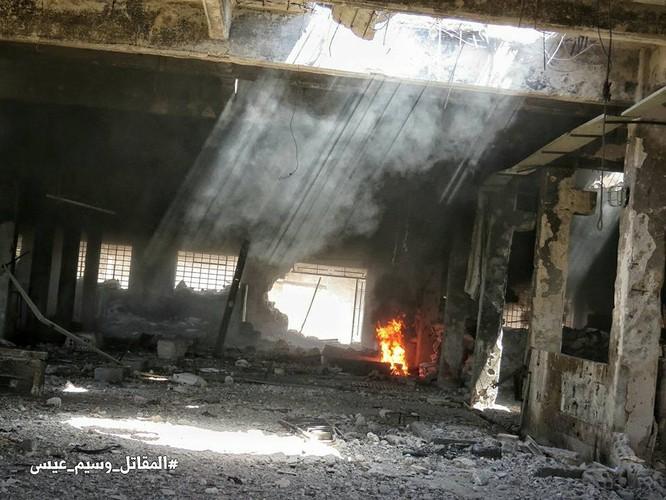 Quân đội Syria tấn công dữ dội cứ địa thánh chiến ngoại ô Damascus (video) ảnh 11
