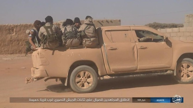 Quân đội Syria bất ngờ hứng thất bại trước phe thánh chiến ngoại ô Damascus ảnh 5