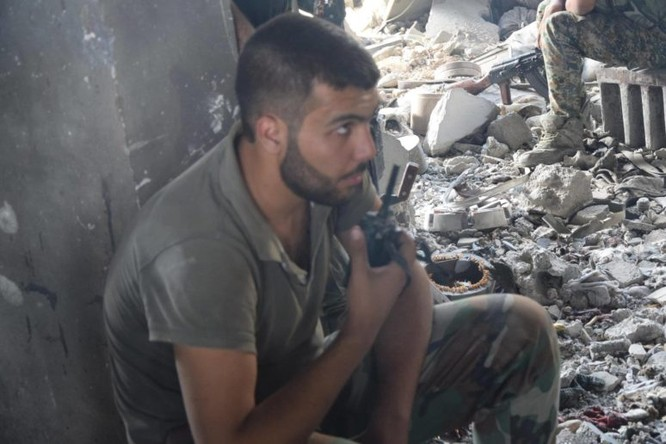 Quân đội Syria quyết thắng phe thánh chiến ngoại vi Damascus ảnh 11