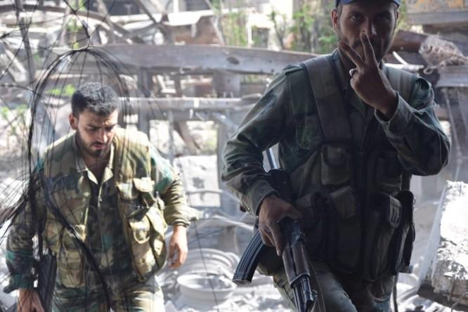 Quân đội Syria quyết thắng phe thánh chiến ngoại vi Damascus ảnh 14