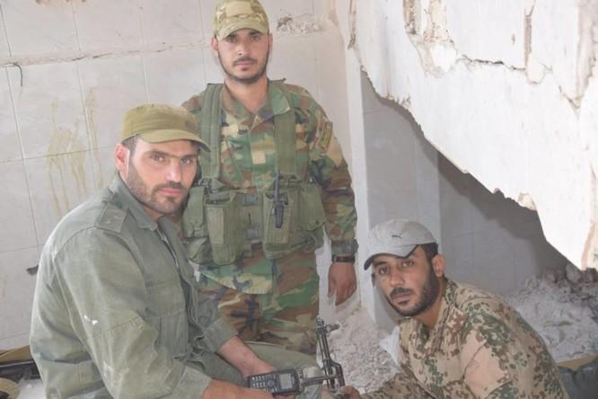 Quân đội Syria quyết thắng phe thánh chiến ngoại vi Damascus ảnh 18