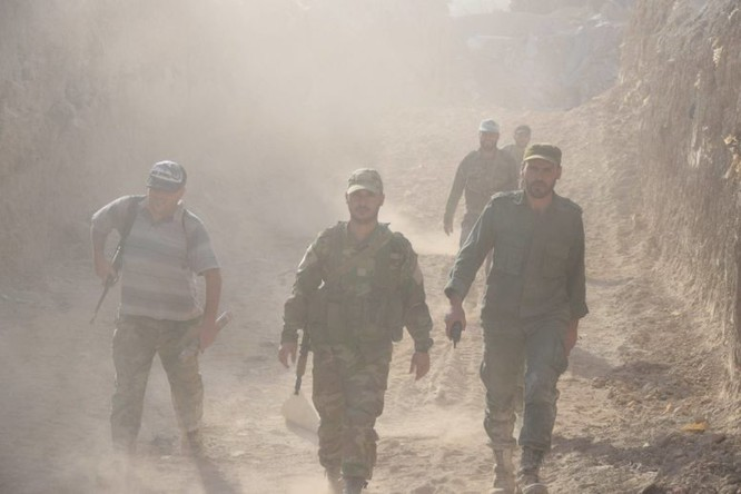 Quân đội Syria quyết thắng phe thánh chiến ngoại vi Damascus ảnh 19