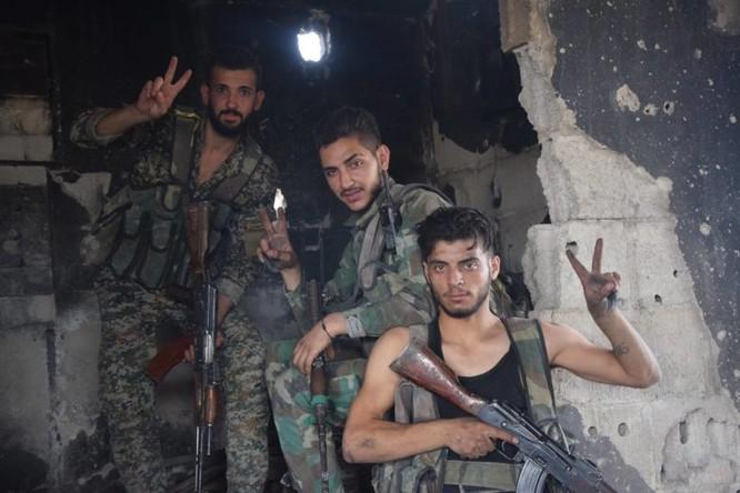 Quân đội Syria quyết thắng phe thánh chiến ngoại vi Damascus ảnh 22