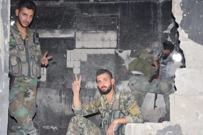 Quân đội Syria quyết thắng phe thánh chiến ngoại vi Damascus ảnh 23