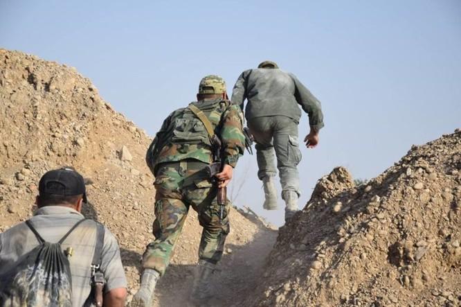Quân đội Syria quyết thắng phe thánh chiến ngoại vi Damascus ảnh 25