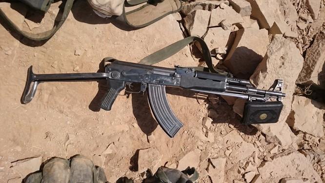 """""""Đặc nhiệm """"Săn IS"""" tiến công diệt địch trên chiến trường Homs, Hama ảnh 6"""
