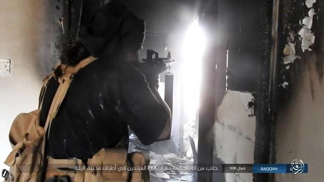 Chiến sự Syria: IS điên cuồng chống cự tại sào huyệt Raqqa ảnh 3