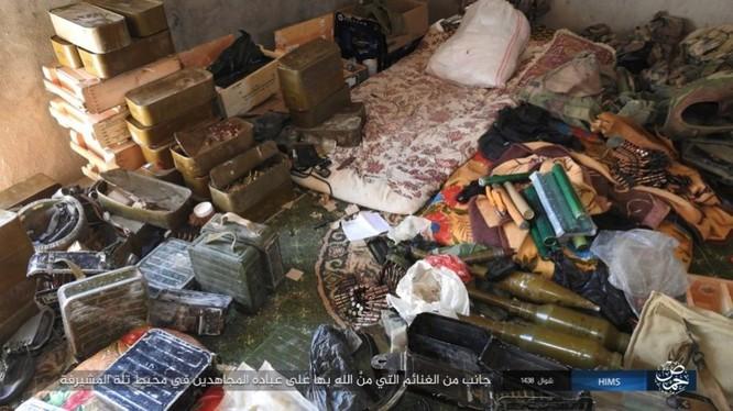 Quân đội Syria thất bại không đáng trước IS tại Homs ảnh 12