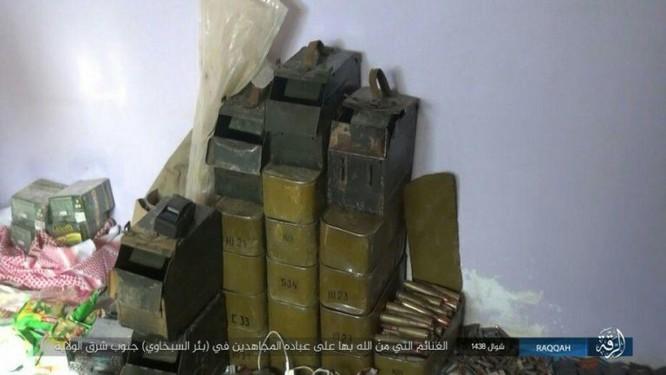 Quân đội Syria giao chiến ác liệt với IS trên sa mạc Homs (chùm video) ảnh 2