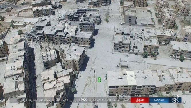 Hàng chục phiến quân IS nộp mạng trước SDF ở Raqqa, Syria ảnh 1