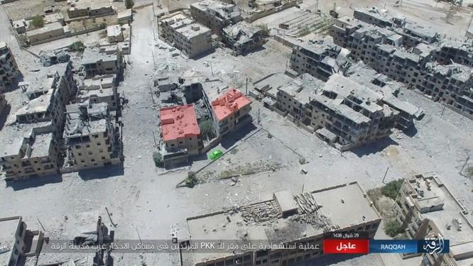 Hàng chục phiến quân IS nộp mạng trước SDF ở Raqqa, Syria ảnh 2