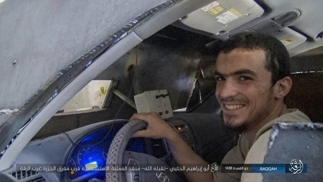 IS tung 4 xe bom tự sát tấn công liên tiếp người Kurd tại Raqqa ảnh 2
