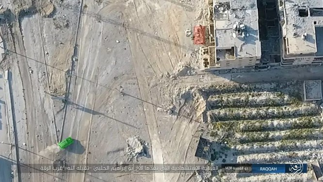 IS tung 4 xe bom tự sát tấn công liên tiếp người Kurd tại Raqqa ảnh 4