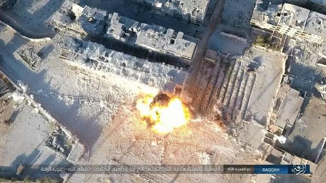 IS tung 4 xe bom tự sát tấn công liên tiếp người Kurd tại Raqqa ảnh 5