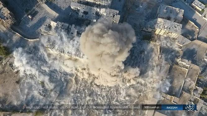IS tung 4 xe bom tự sát tấn công liên tiếp người Kurd tại Raqqa ảnh 7