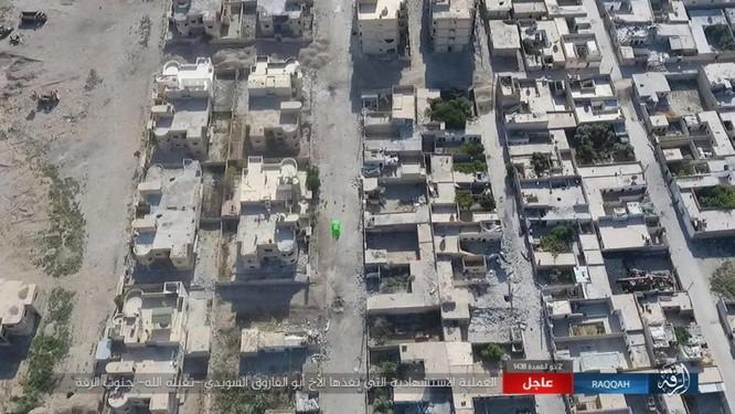 IS tung 4 xe bom tự sát tấn công liên tiếp người Kurd tại Raqqa ảnh 11