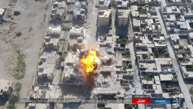 IS tung 4 xe bom tự sát tấn công liên tiếp người Kurd tại Raqqa ảnh 12