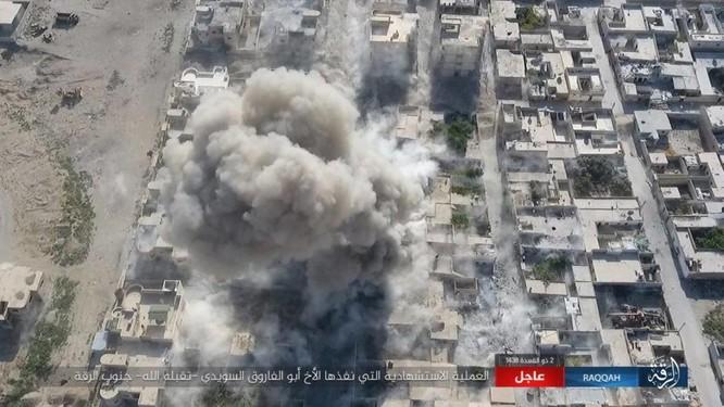 IS tung 4 xe bom tự sát tấn công liên tiếp người Kurd tại Raqqa ảnh 13