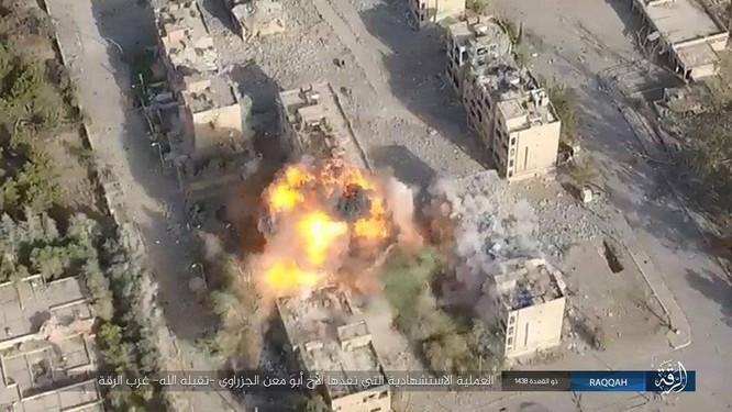 IS tung 7 xe bom tự sát đánh chặn người Kurd tại tử địa Raqqa (video) ảnh 4