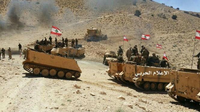 IS đầu hàng di tản về Deir Ezzor, trận chiến cuối cùng trên biên giới Syria (video) ảnh 3