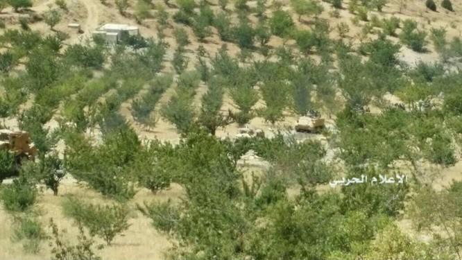 IS đầu hàng di tản về Deir Ezzor, trận chiến cuối cùng trên biên giới Syria (video) ảnh 6