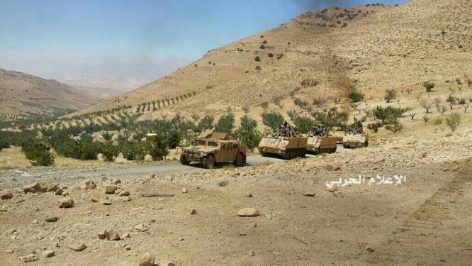 IS đầu hàng di tản về Deir Ezzor, trận chiến cuối cùng trên biên giới Syria (video) ảnh 8