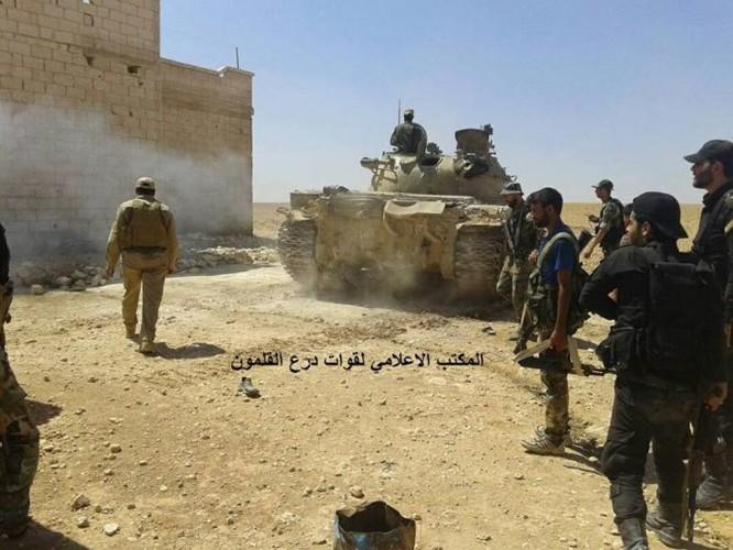 Chiến sự Syria: Quân Assad nghiền nát IS, chiếm liên tiếp 6 cứ địa tại Hama ảnh 4