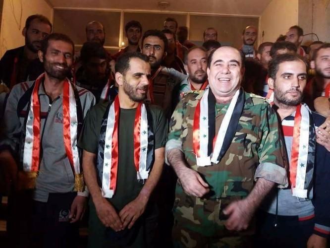 Phiến quân Syria trao trả phi công bị bắn rơi và 30 lính chính phủ ảnh 2
