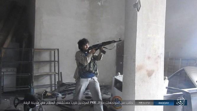 IS phản kích thất bại, hàng loạt tay súng mất mạng tại Raqqa ảnh 2