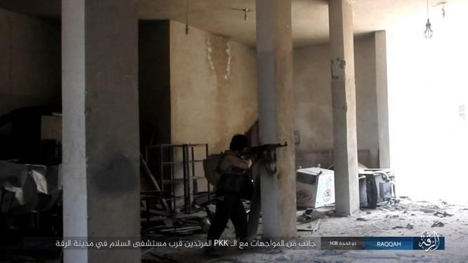 IS phản kích thất bại, hàng loạt tay súng mất mạng tại Raqqa ảnh 3