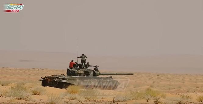 """""""Hổ Syria"""" áp sát Deir Ezzor 15 km, IS dàn trận phản công ảnh 4"""