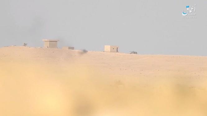 """""""Hổ Syria"""" áp sát Deir Ezzor 15 km, IS dàn trận phản công ảnh 6"""