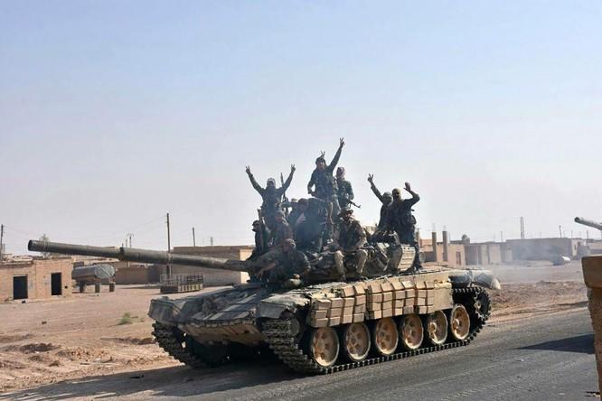 Nga tưới hỏa lực, diệt 200 tay súng IS trong một ngày (video) ảnh 1