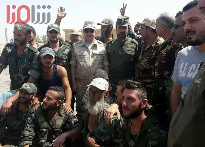 """""""Hổ Syria"""" sắp giáng đòn kết liễu IS, giải phóng hoàn toàn Deir Ezzor ảnh 3"""