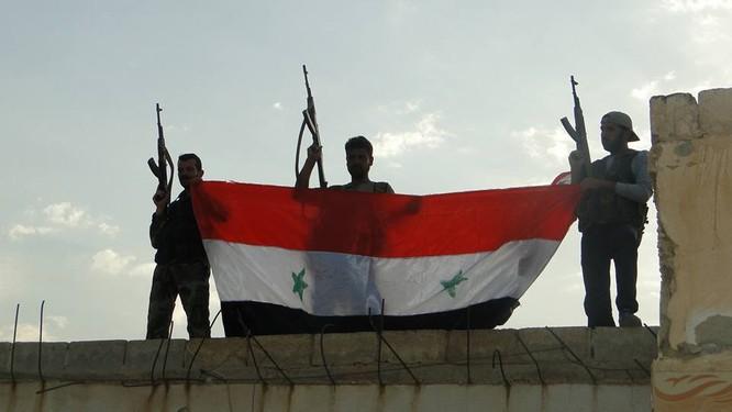 Quân đội Syria thừa thắng đánh diệt IS trong vòng vây Homs, Hama ảnh 1