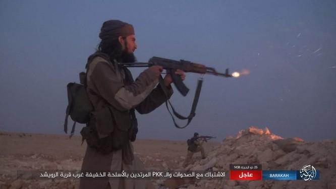 """Người Kurd đe đánh quân đội Syria tại Deir Ezzor, IS """"vờ"""" chống cự ảnh 3"""