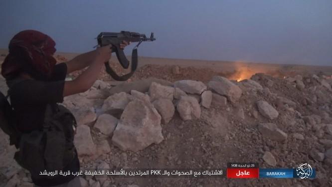 """Người Kurd đe đánh quân đội Syria tại Deir Ezzor, IS """"vờ"""" chống cự ảnh 6"""