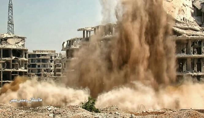 Quân Syria đánh bom đường hầm, chôn sống hàng chục phiến quân ven Damascus ảnh 1