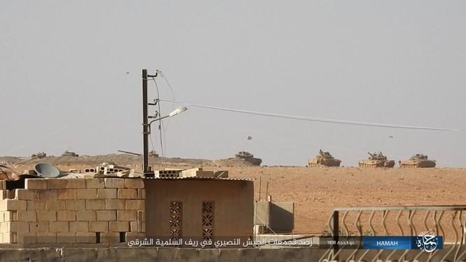 Quân đội Syria đập tan IS, chiếm liên tiếp 9 địa bàn trên sa mạc Homs ảnh 1