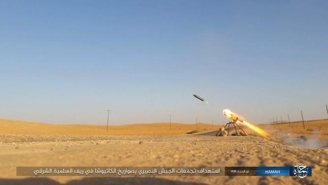 Quân đội Syria đập tan IS, chiếm liên tiếp 9 địa bàn trên sa mạc Homs ảnh 6