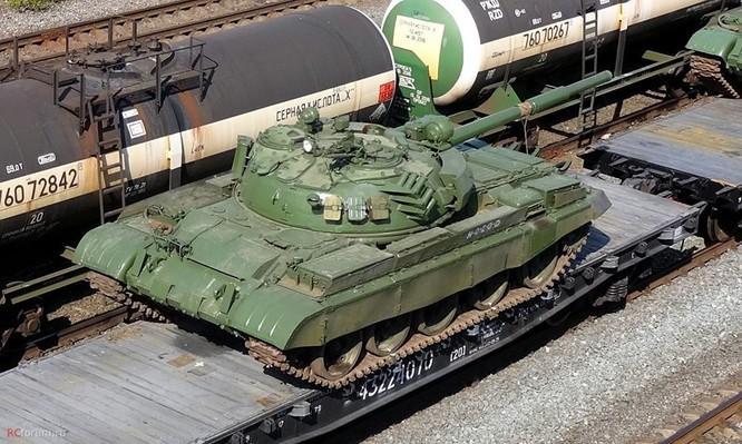 Quyết hạ gục IS tại Deir Ezzor, Nga ùn ùn chở tăng thiết giáp tới Syria ảnh 4